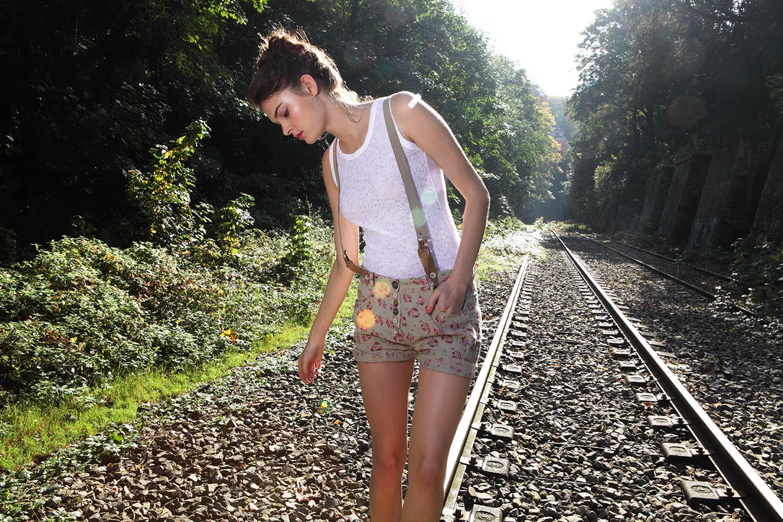 Kersti Pohlak model - Catalogue La fée maraboutée de la collection printemps-été 2013 - photos mona awad