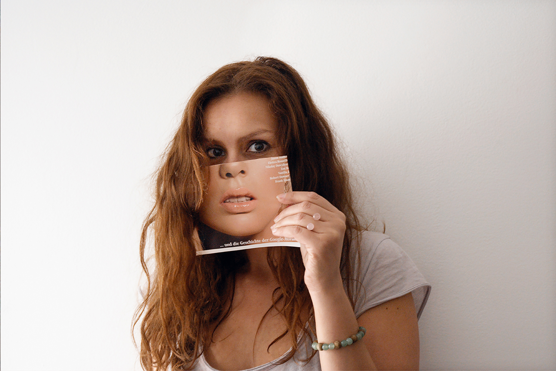 Faces - autoportrait masque gênant - mona awad