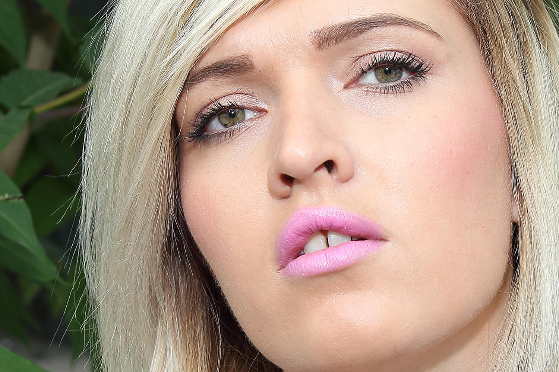 emmi summer pink lipstick mona awad